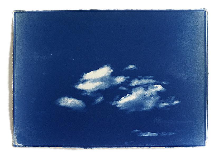 Atlas des nuages Cyanotype sur papier Fabriano 42 cm x 60 cm Edition : 1